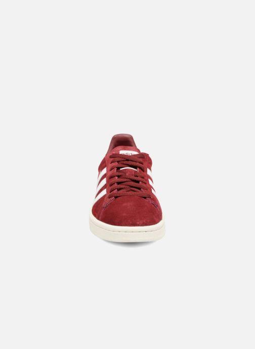 Sneakers adidas originals Campus W Bordò modello indossato