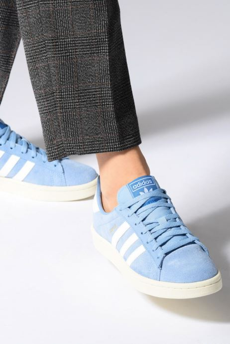Trainers adidas originals Campus W Black view from underneath / model view
