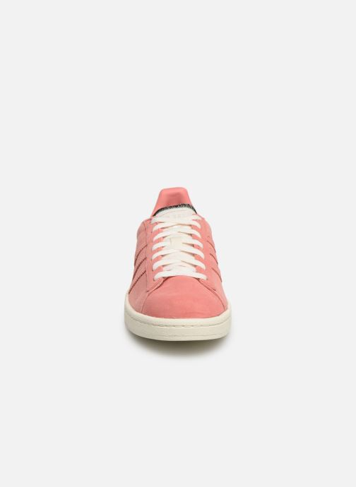 Sneakers adidas originals Campus W Rosa modello indossato