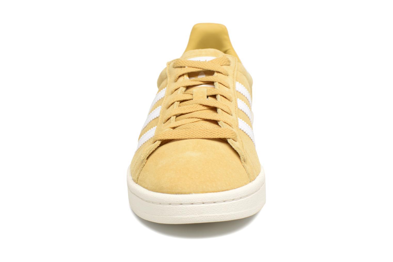 Baskets Adidas Originals Campus W Jaune vue portées chaussures