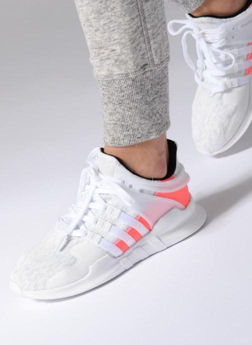 Baskets adidas originals Eqt Support Adv W Blanc vue bas / vue portée sac