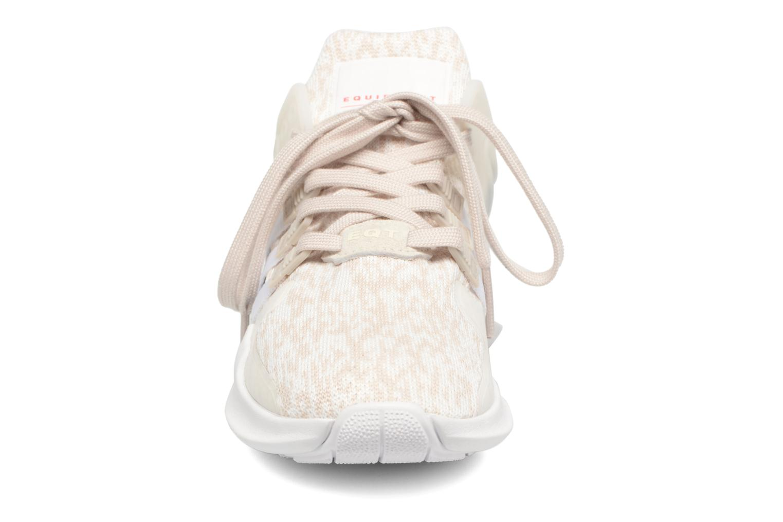 Baskets Adidas Originals Equipment Support Adv W Blanc vue portées chaussures
