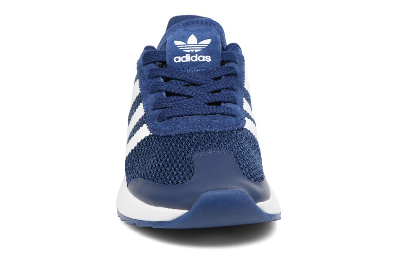 Deportivas Adidas Originals Flb W Azul vista del modelo