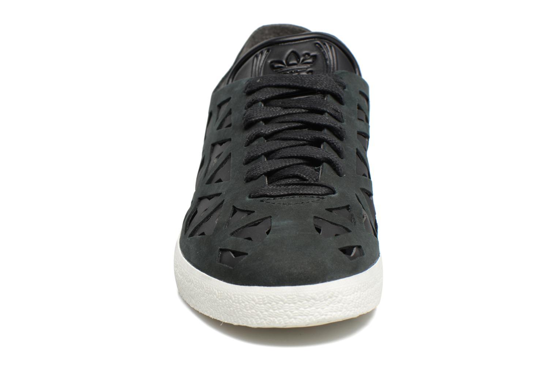 Sneaker Adidas Originals Gazelle Cutout W schwarz schuhe getragen