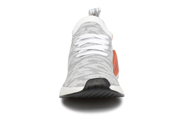 Baskets Adidas Originals Nmd_R2 Pk Gris vue portées chaussures
