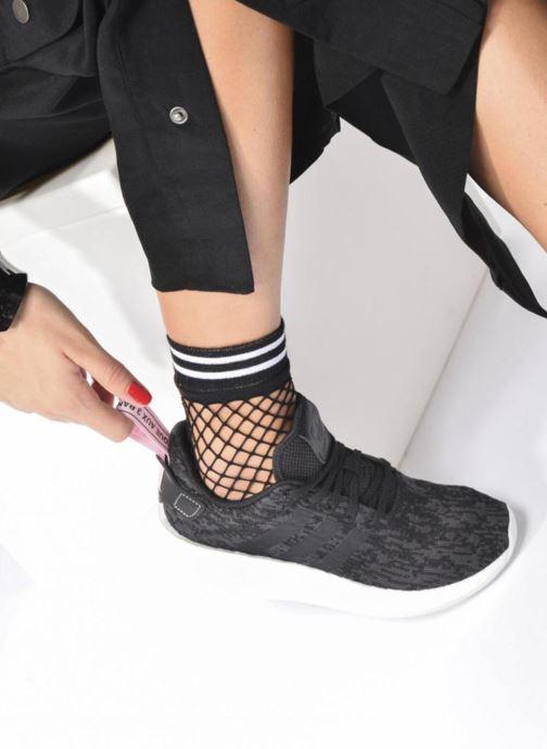 Sneaker Adidas Originals Nmd_R2 W grau ansicht von unten / tasche getragen