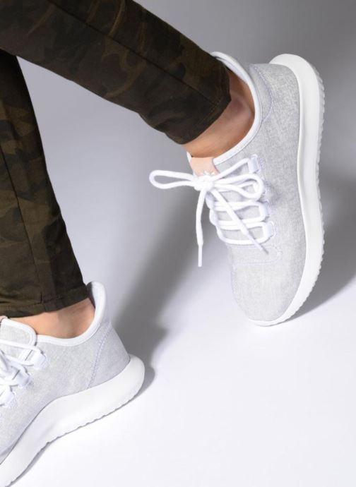 Sneaker adidas originals Tubular Shadow W blau ansicht von unten / tasche getragen