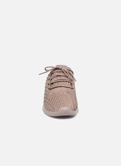 Baskets adidas originals Tubular Shadow Marron vue portées chaussures