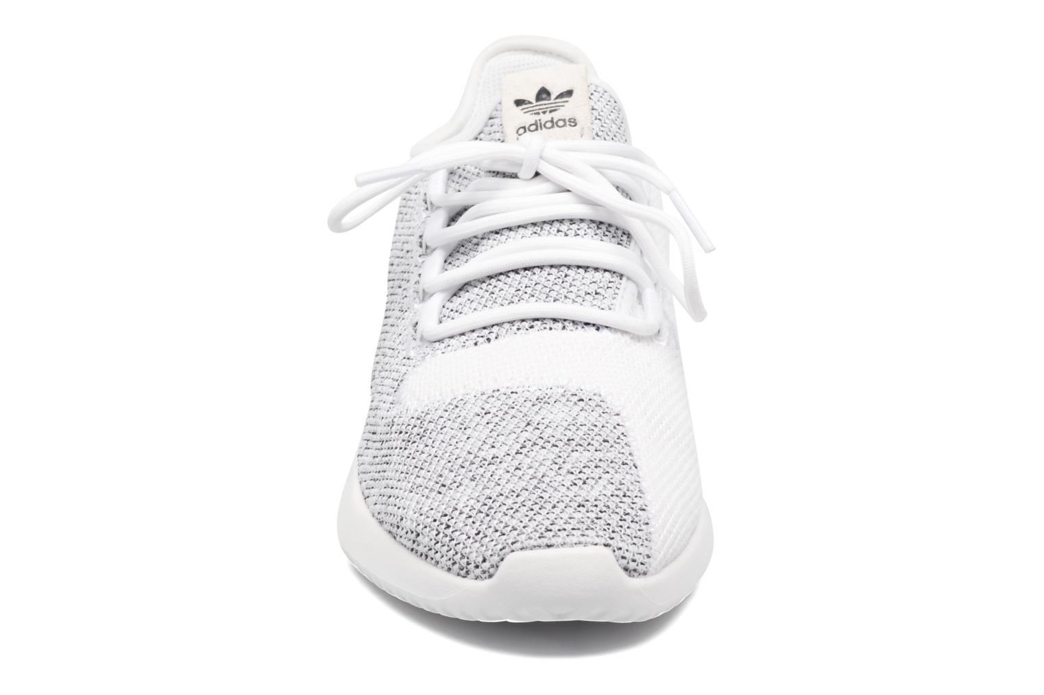 Baskets Adidas Originals Tubular Shadow Knit W Blanc vue portées chaussures