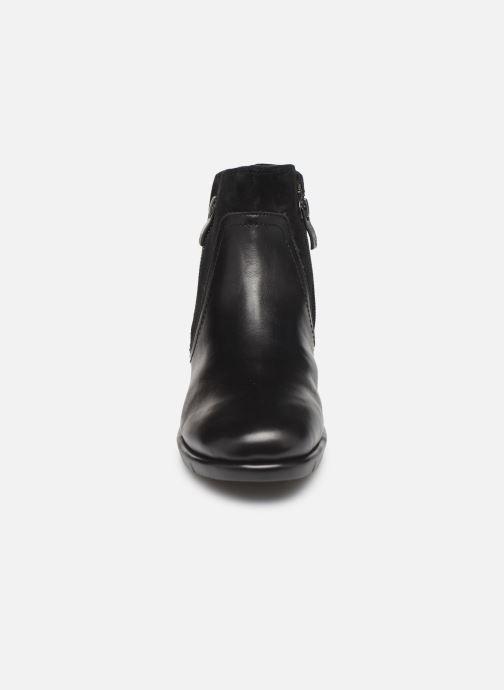 Sandales et nu-pieds Caprice Cynthia Noir vue portées chaussures