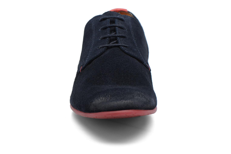 Scarpe con lacci HE Spring Peter Azzurro modello indossato