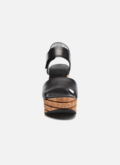 Sandales et nu-pieds Free Lance Eny 7 Sandal Velcro Noir vue portées chaussures