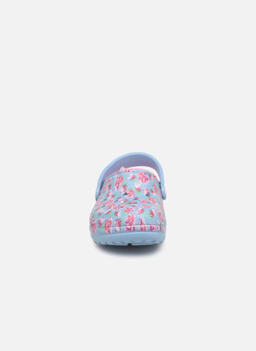 Sandales et nu-pieds Crocs Classic Clog Graphic Kids Bleu vue portées chaussures