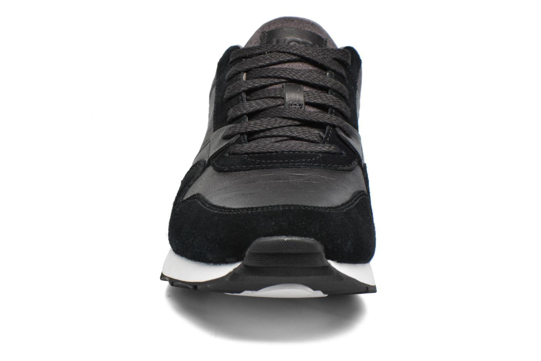 Baskets UGG M Trigo Noir vue portées chaussures