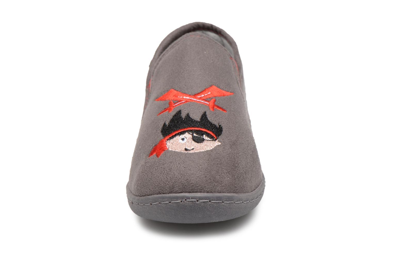 Hjemmesko Isotoner Mocassin Suédine E Grå se skoene på