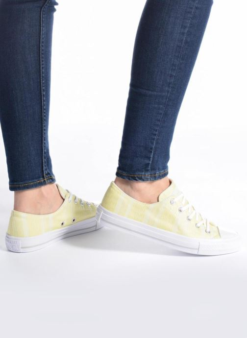 Trainers Converse Chuck Taylor All Star Gemma Ox Engineered Lace Yellow view from underneath / model view