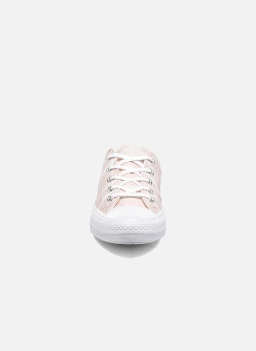 Sneakers Converse Chuck Taylor All Star Gemma Ox Engineered Lace Rosa modello indossato