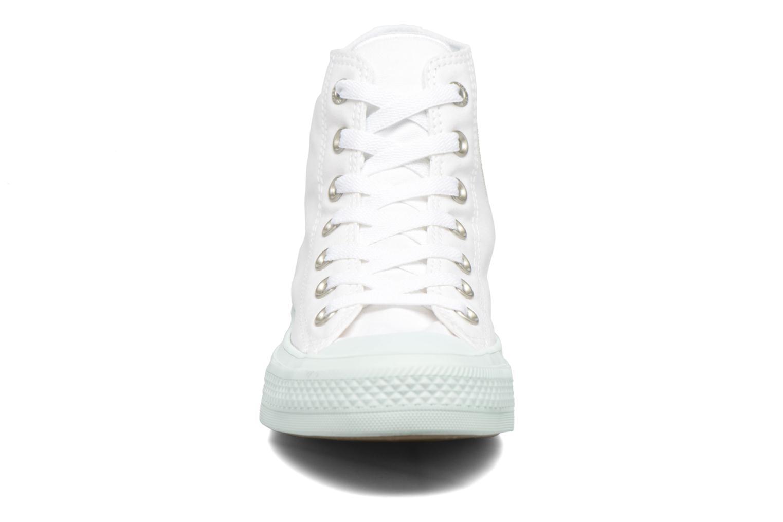 Sneakers Converse Chuck Taylor All Star II Hi Pastel Midsoles W Bianco modello indossato