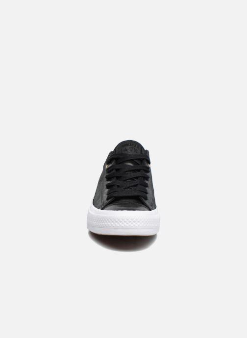 Baskets Converse Chuck Taylor All Star II Ox Craft Leather Noir vue portées chaussures