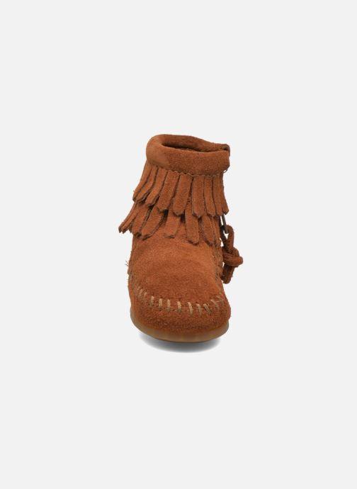 Bottines et boots Minnetonka Double Fringe side zip boot B Marron vue portées chaussures