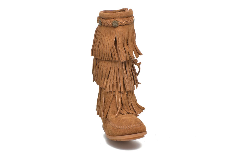 Bottes Minnetonka 3-Layer Fringe Boot E Marron vue portées chaussures