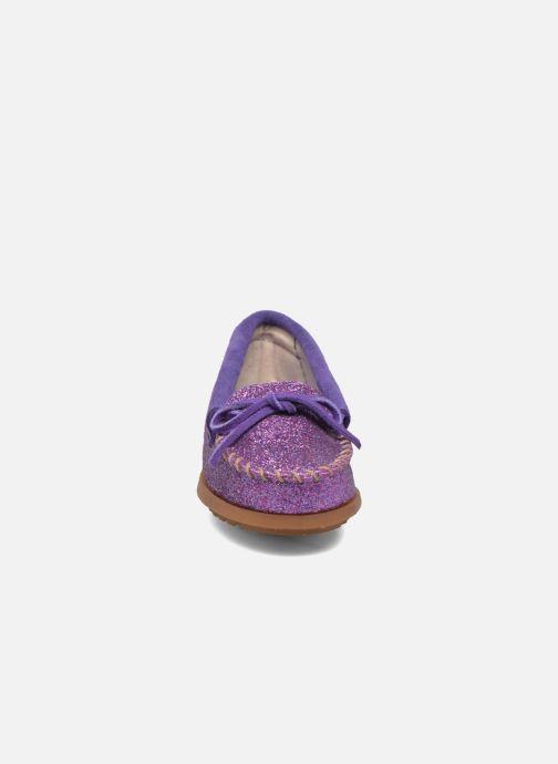 Mocassins Minnetonka Glitter Moc Violet vue portées chaussures