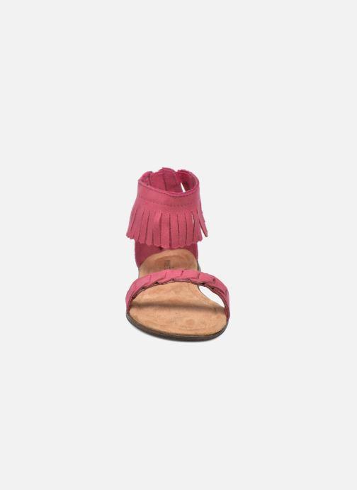 Sandali e scarpe aperte Minnetonka Nikita Sandal Rosa modello indossato