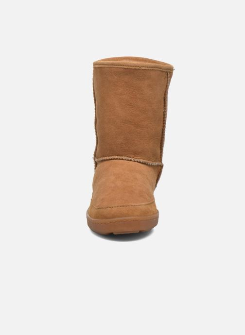 Bottines et boots Minnetonka Short Sheepskin Pug Boot W Marron vue portées chaussures