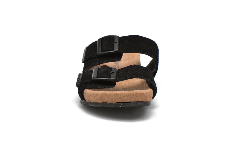 Zoccoli Minnetonka Gipsy Sandal Nero modello indossato