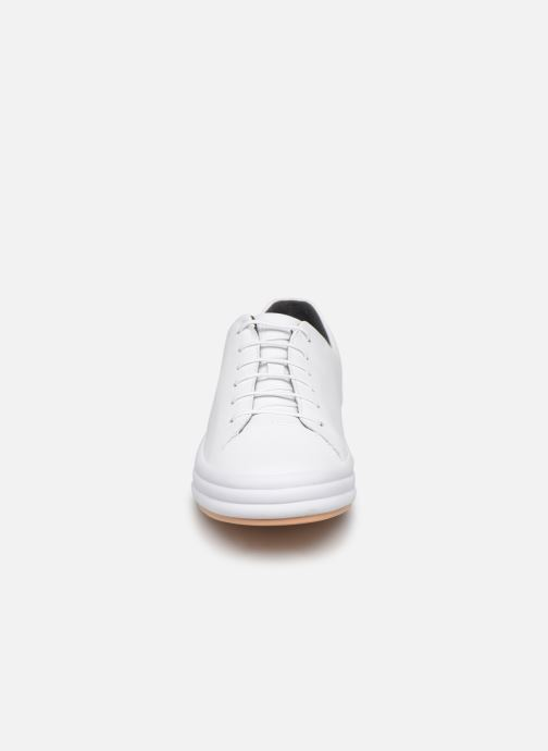 Baskets Camper Hoops K200298 Blanc vue portées chaussures