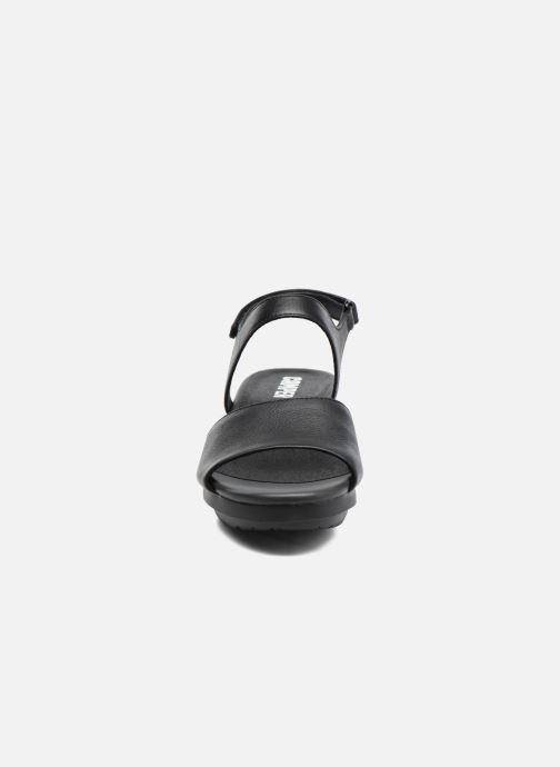 Sandales et nu-pieds Camper Balloon K200301 Noir vue portées chaussures