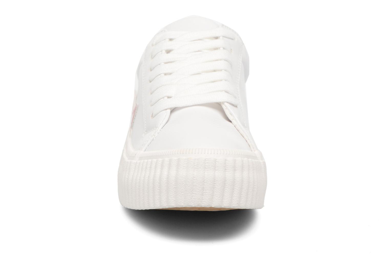 Sneakers Coolway Cherry Bianco modello indossato