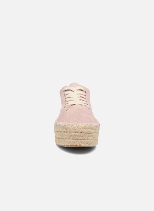 Zapatos con cordones Coolway Tango Rosa vista del modelo