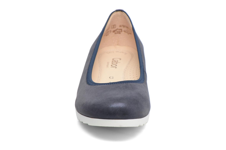 Ballerines Gabor Genua 2 Bleu vue portées chaussures