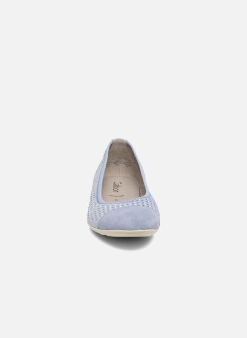 Ballerines Gabor Linda Bleu vue portées chaussures