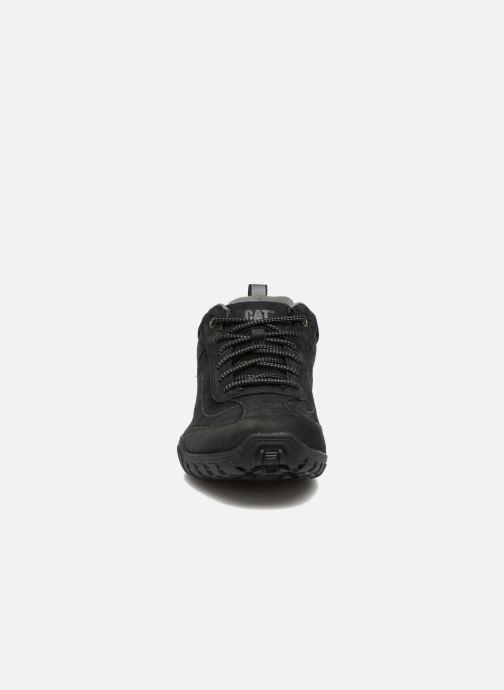 Sneakers Caterpillar Arise Nero modello indossato