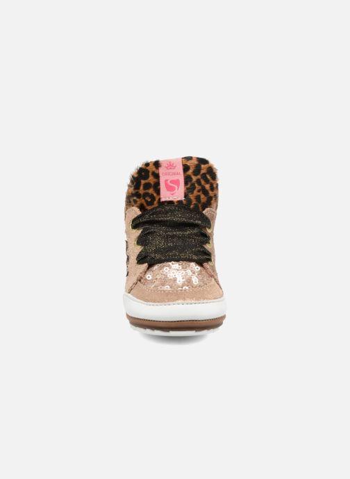Sneakers Shoesme Suzette Oro e bronzo modello indossato
