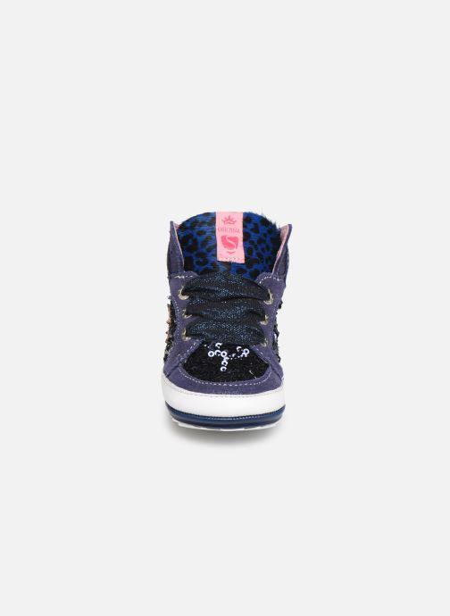Sneakers Shoesme Suzette Azzurro modello indossato