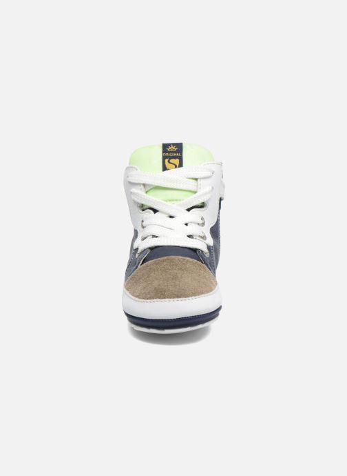 Sneakers Shoesme Seppo Azzurro modello indossato