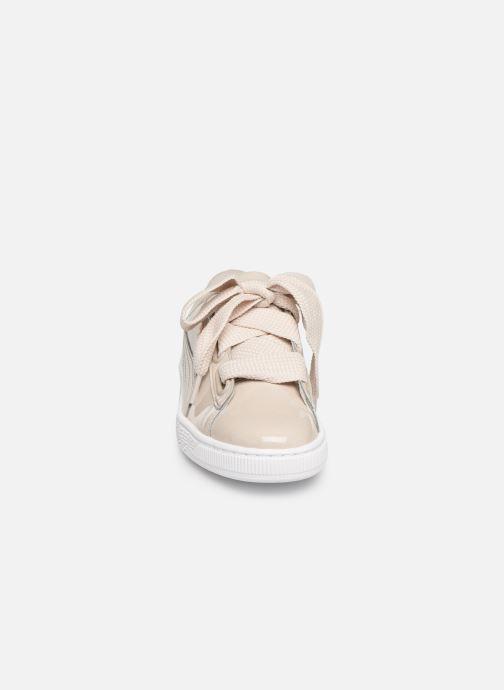 Baskets Puma Basket Heart Patent Wn's Beige vue portées chaussures