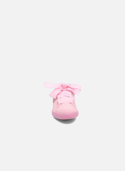 Sneakers Puma Suede Heart Reset Wn's Rosa modello indossato