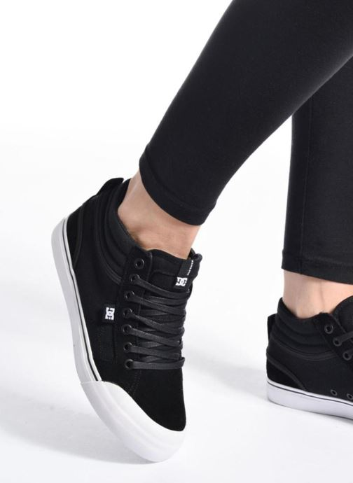 Trainers DC Shoes Evan Hi B Black view from underneath / model view