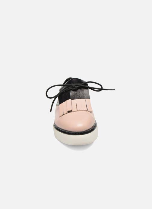Zapatos con cordones What For Lily Negro vista del modelo