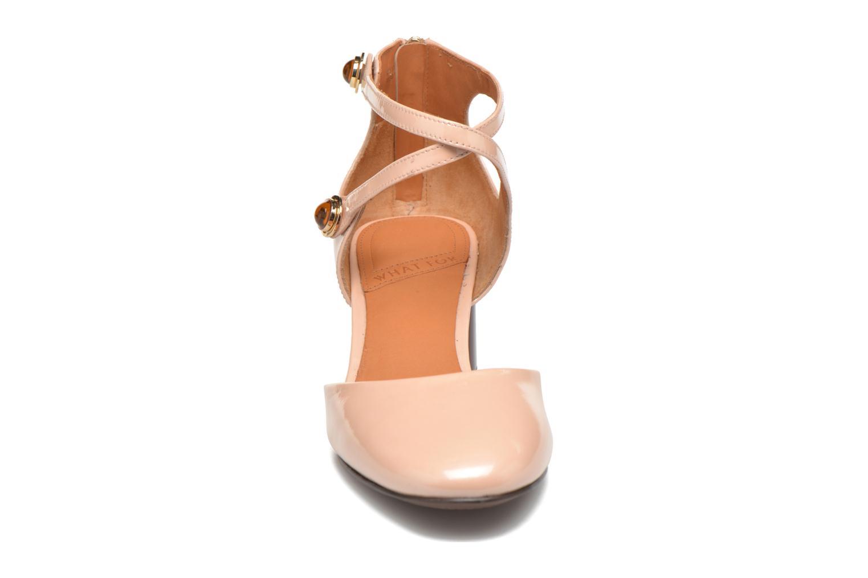 Zapatos de tacón What For Clover Rosa vista del modelo