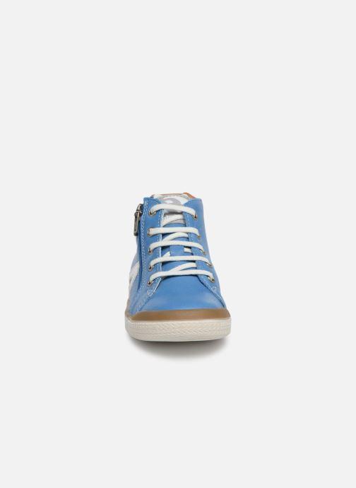 Baskets Babybotte B3 Lacet Bleu vue portées chaussures