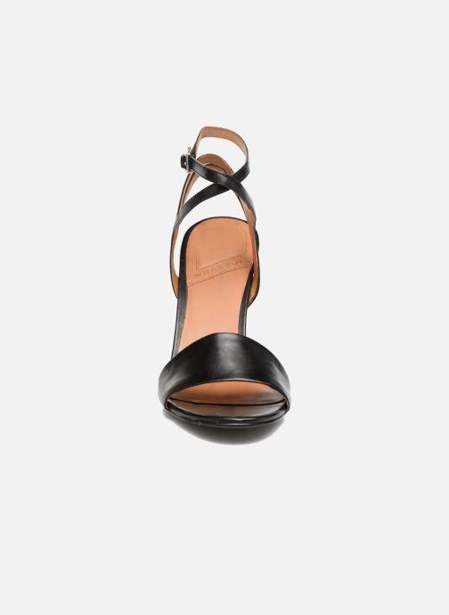 Sandali e scarpe aperte What For Maïa Nero modello indossato