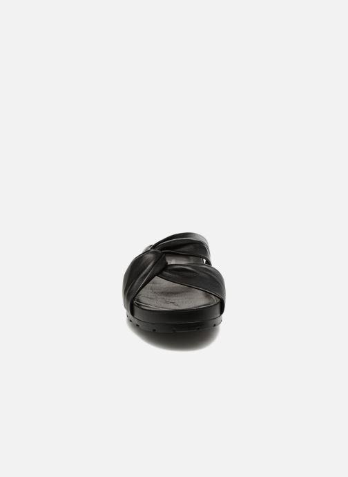 Zuecos Vagabond Shoemakers Erie 4332-101 Negro vista del modelo
