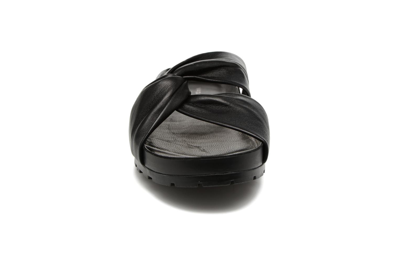 Zoccoli Vagabond Shoemakers Erie 4332-101 Nero modello indossato
