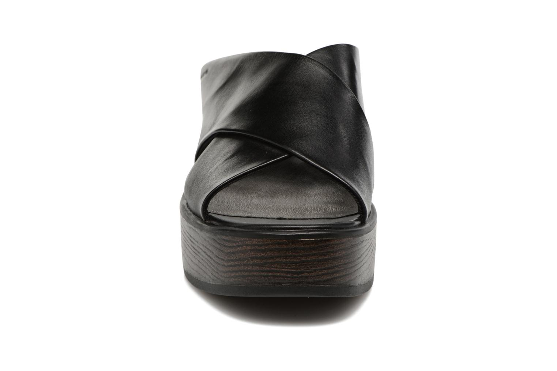 Mules & clogs Vagabond Shoemakers Noor 4336-101 Black model view