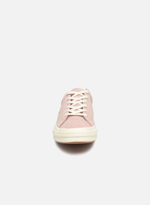 Baskets Converse One Star Ox W Rose vue portées chaussures